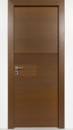 Εσωτερική πόρτα ανιγκρέ με ισόβεννο καπλαμά