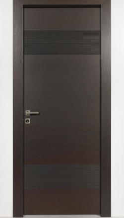 Εσωτερική πόρτα καρυδι σκούρο με ισόβεννο καπλαμά