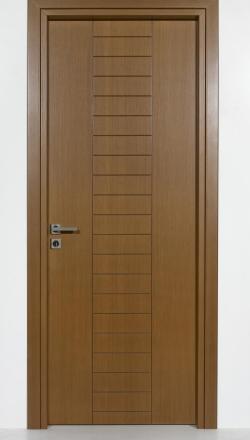 Eσωτερική πόρτα  ανιγκρέ σε καρυδί με σχέδιο παντογράφου