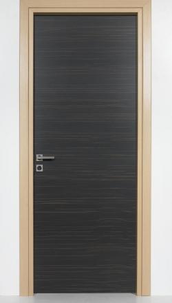 Εσωτερική πόρτα  με καπλαμά Έβενος
