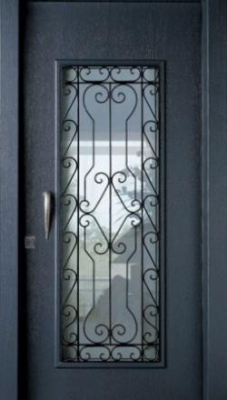 Πόρτα ασφαλείας με άνοιγμα για τζάμι με παραδοσική σιδεριά